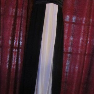 Beautiful Black & White Taboo Gown with Wrap L